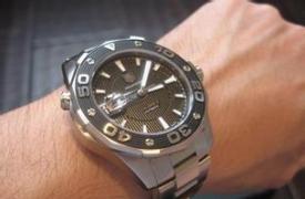 豪雅竞潜500正品Vs精仿手表