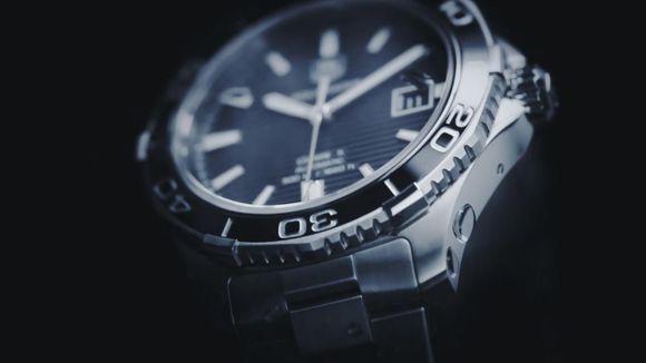 HBB V6豪雅竞潜500对比正品评测